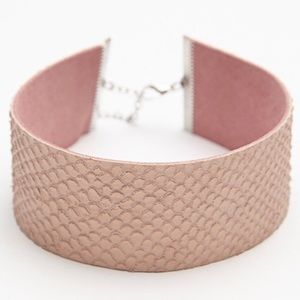 NWOT Free People pink and gray snakeskin choker